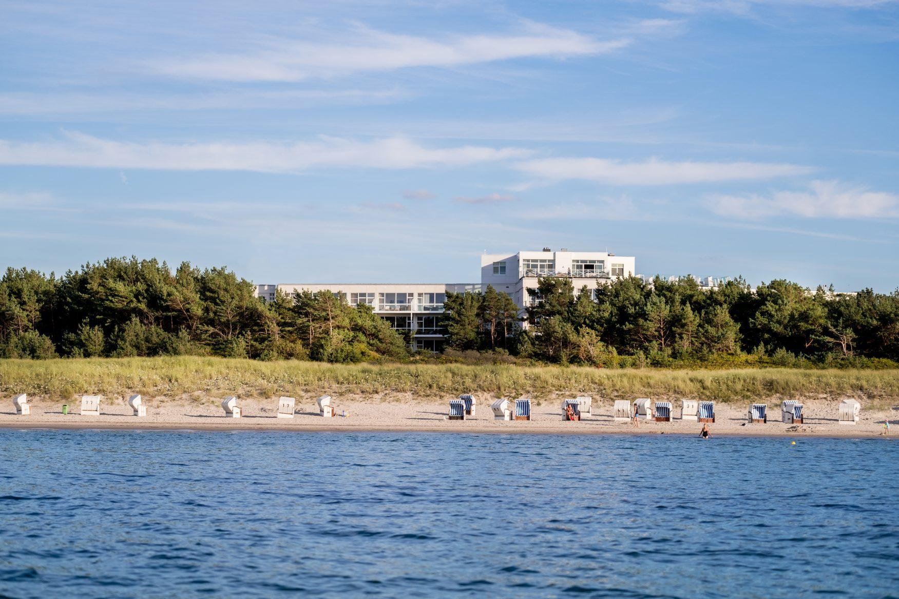 Die Meerseite des Strandhotel Fischland in Dierhagen an der Ostsee, Foto: PR
