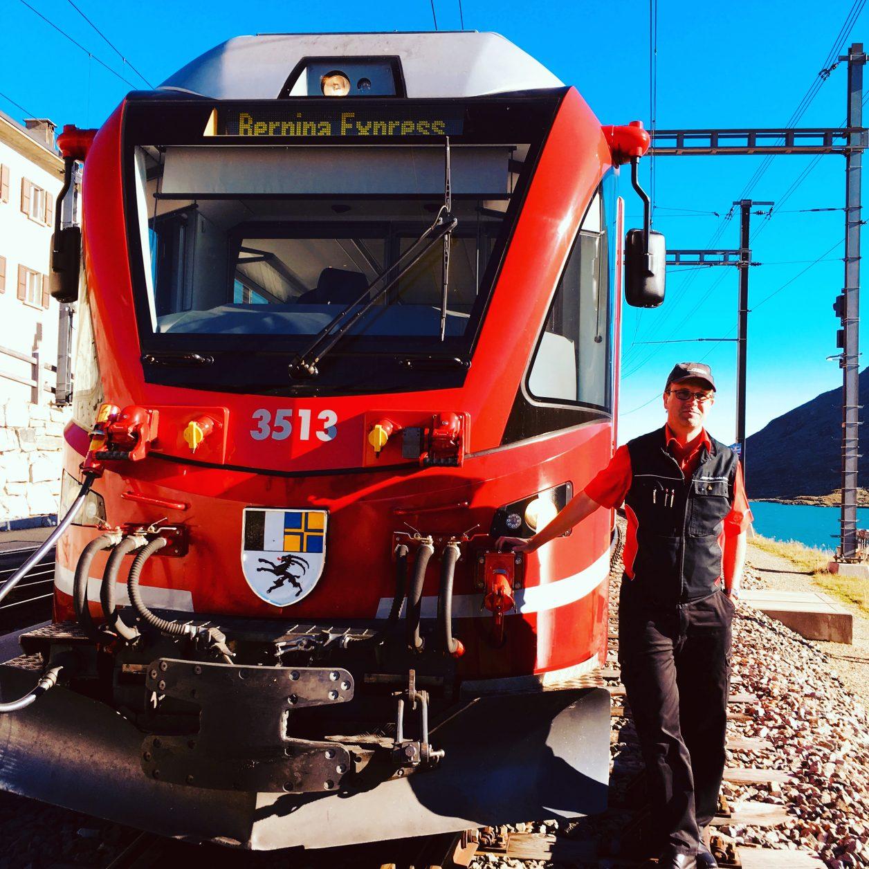 Lokführer Bernhard Willen während einer kurzen Pause in Ospicio Bernina, Foto: Weirauch