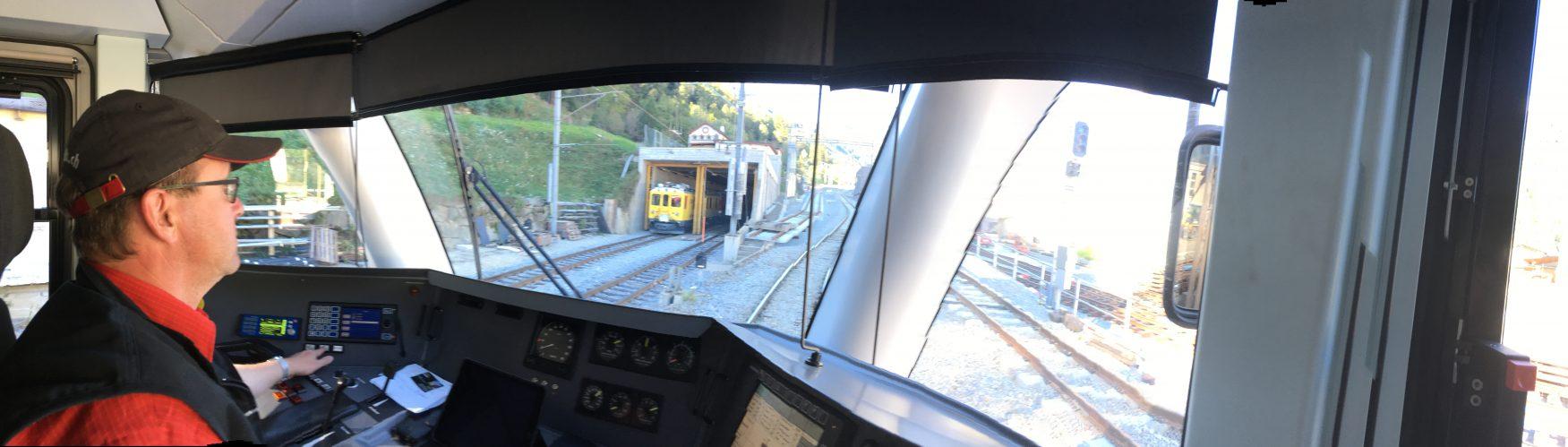 Volle Konzentration ist gefragt bei der Durchfahrt an Bahnhöfen oder Baustellen, Foto: Weirauch