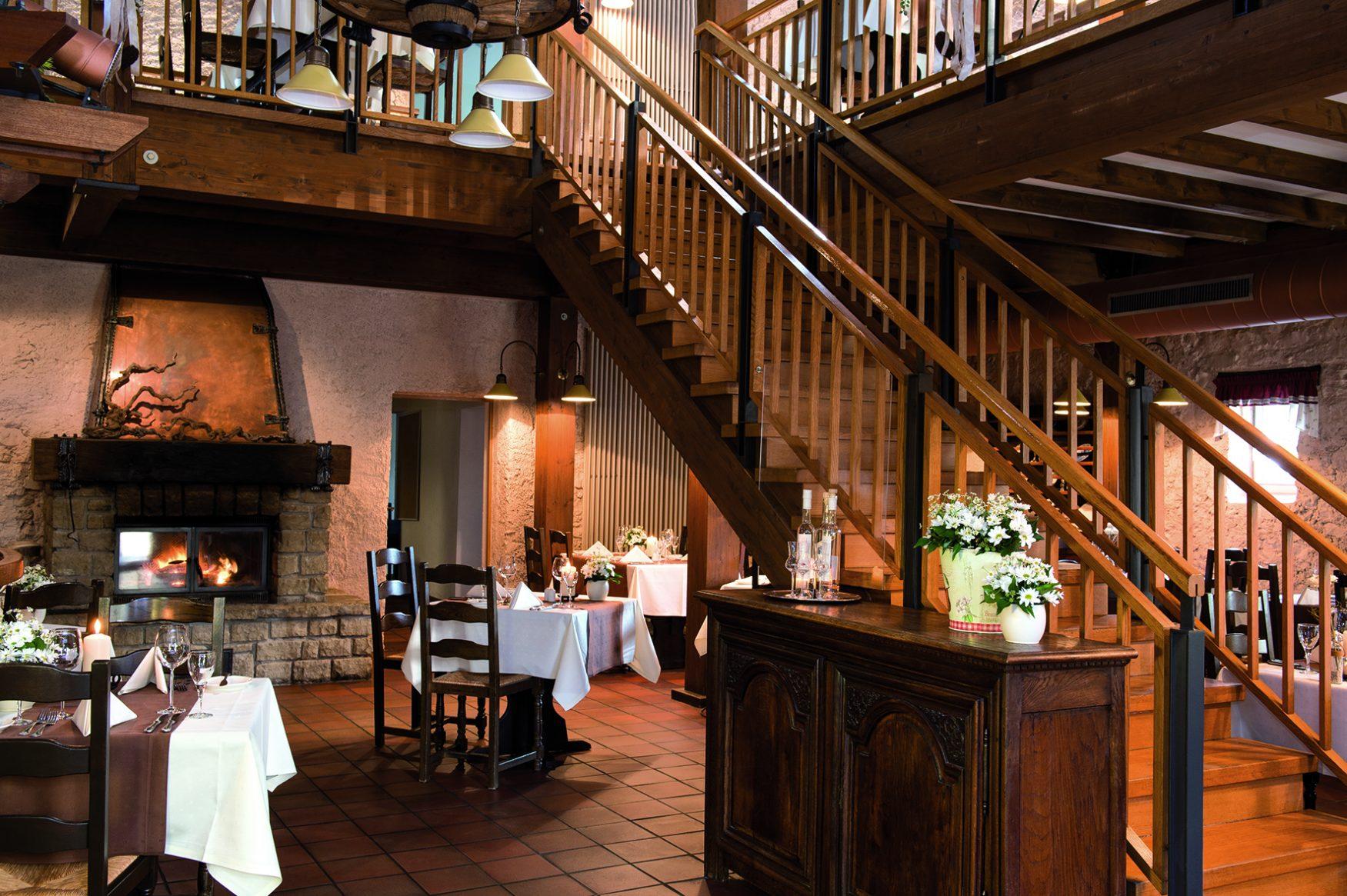 Blick in den Gastraum der Scheune am Schloss Berg, Foto: Victor´s Residenz Hotel