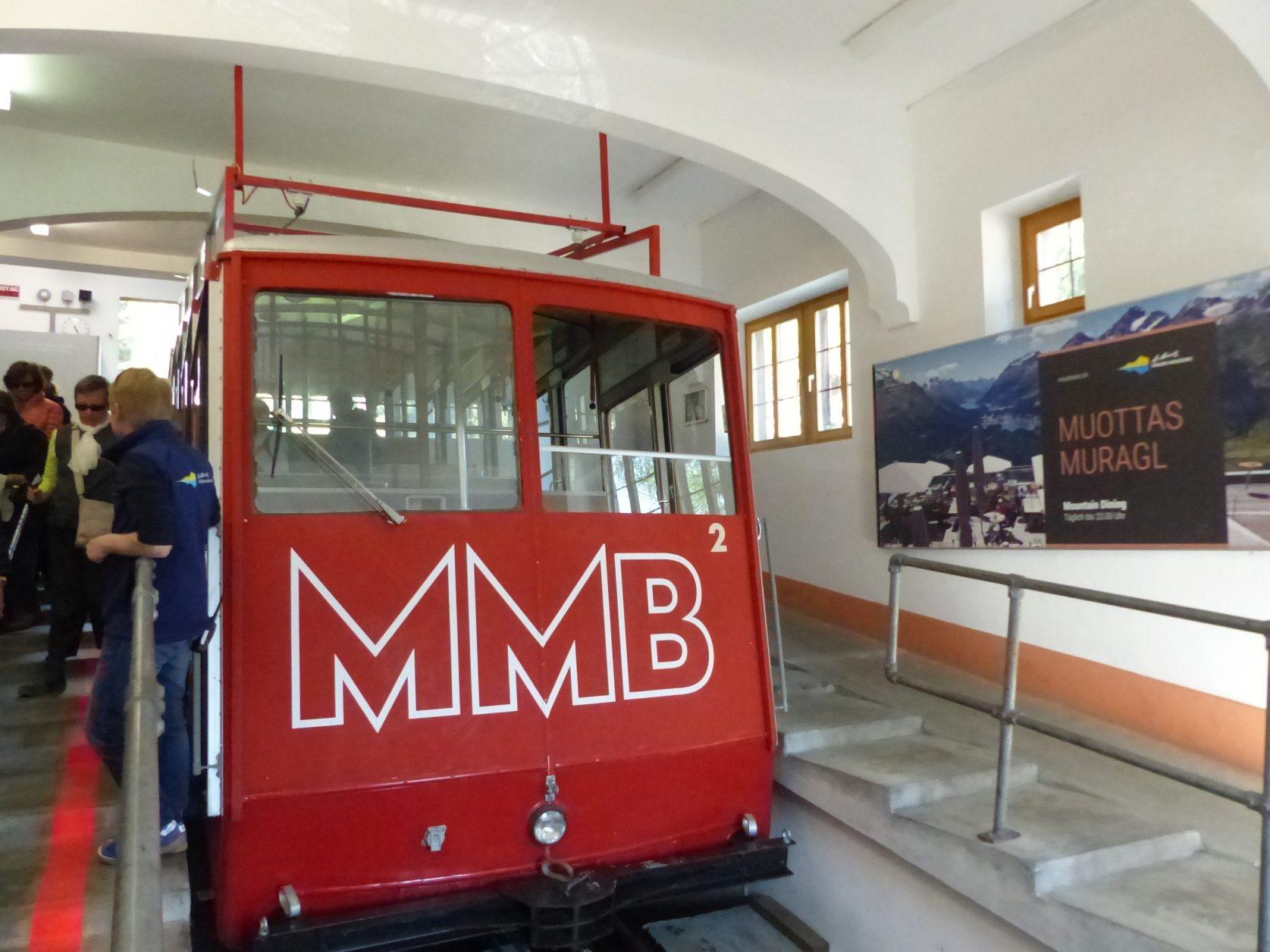 Mit der Bahn auf den Muottas Muragl in der Nähe von Pontresina, Foto: Weirauch