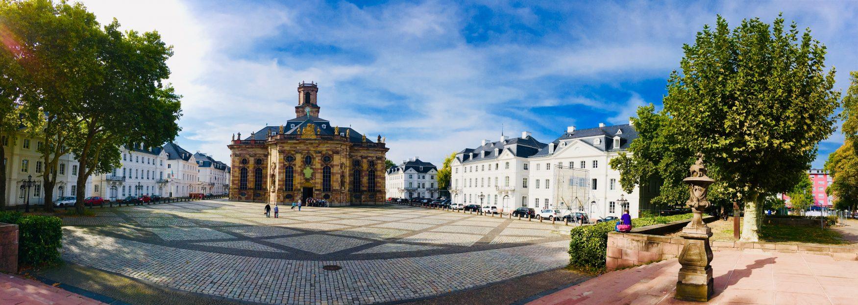 Blick auf die Ludwigskirche und Ludwigskirchplatz in Alt-Saarbrücken, Foto: Weirauch