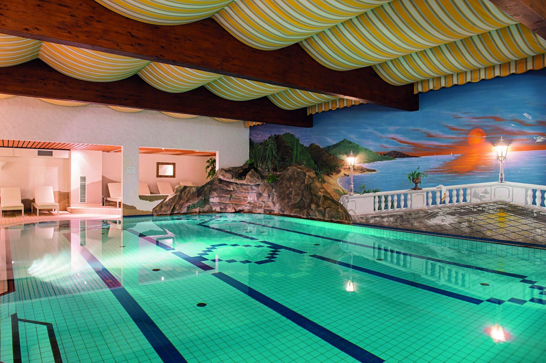klein, aber fein ist der Pool im rodenhof Saarbrücken, Foto: Victor´s Residenz-Hotels