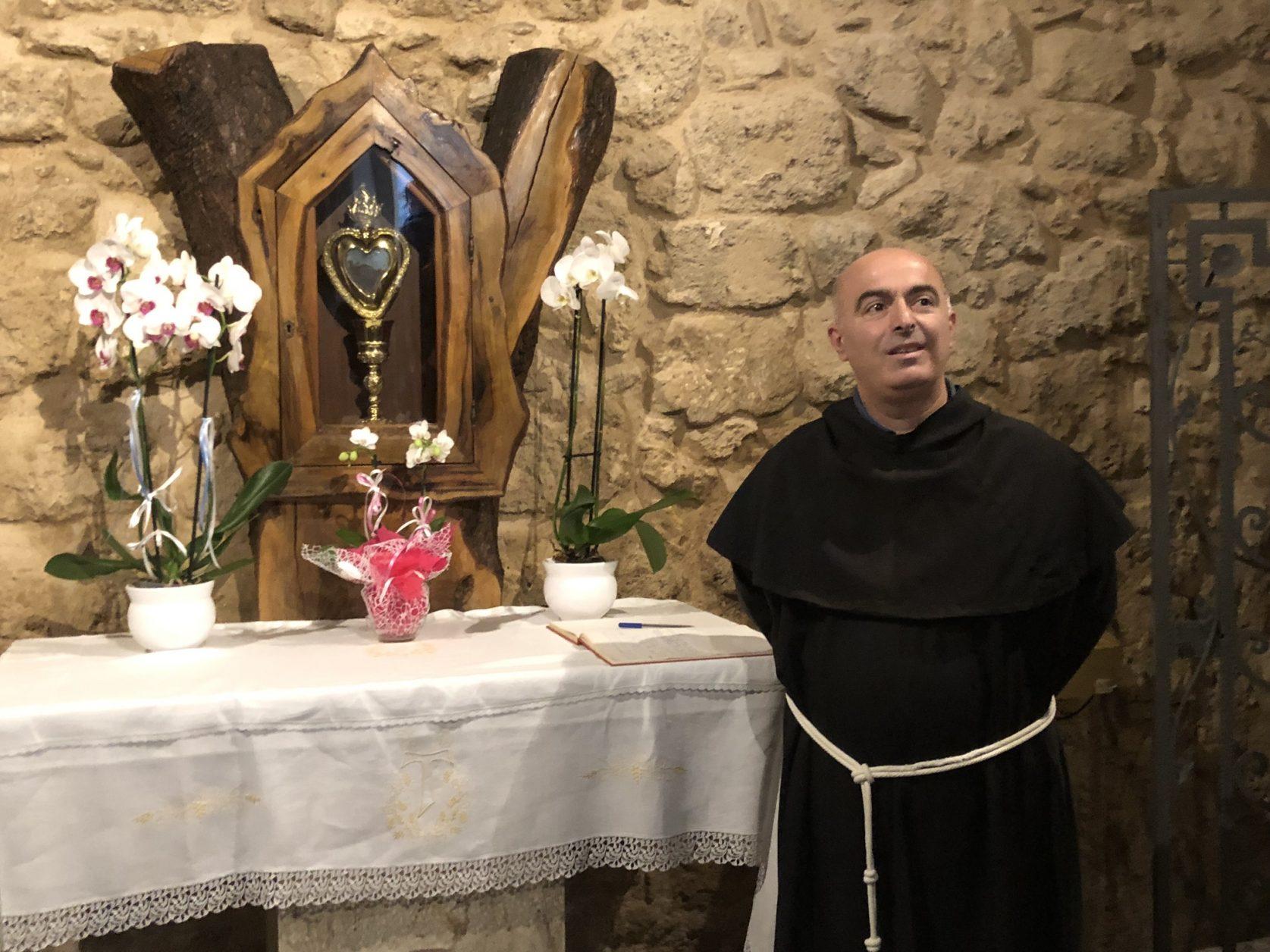 Während sich der Körper des am 18. September 1663 in Osimo in Italien verstorbenen Mönches in Osimo befindet, wird sein Herz in Copertino aufbewahrt.