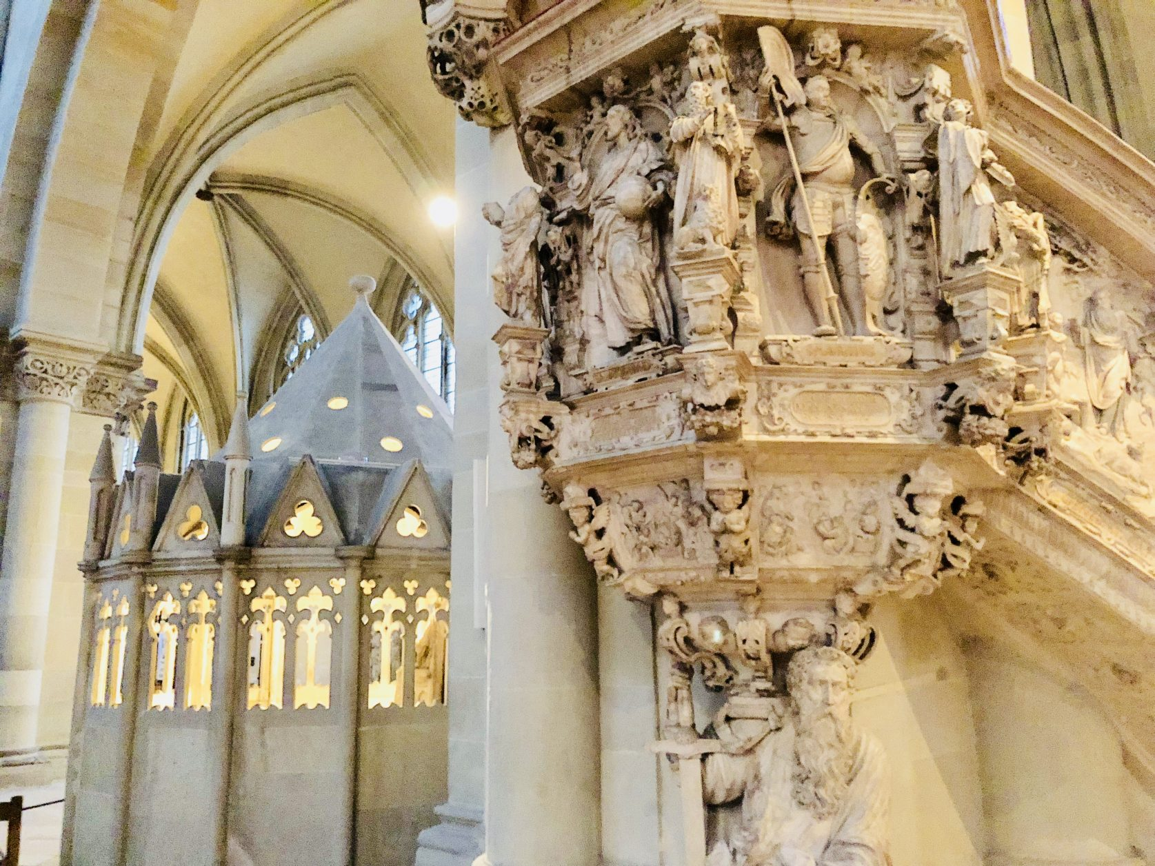 Die Kanzel des Magdeburger Domes zählt zu den bedeutendsten Renaissancekunstwerken in Deutschland, Foto: Weirauch