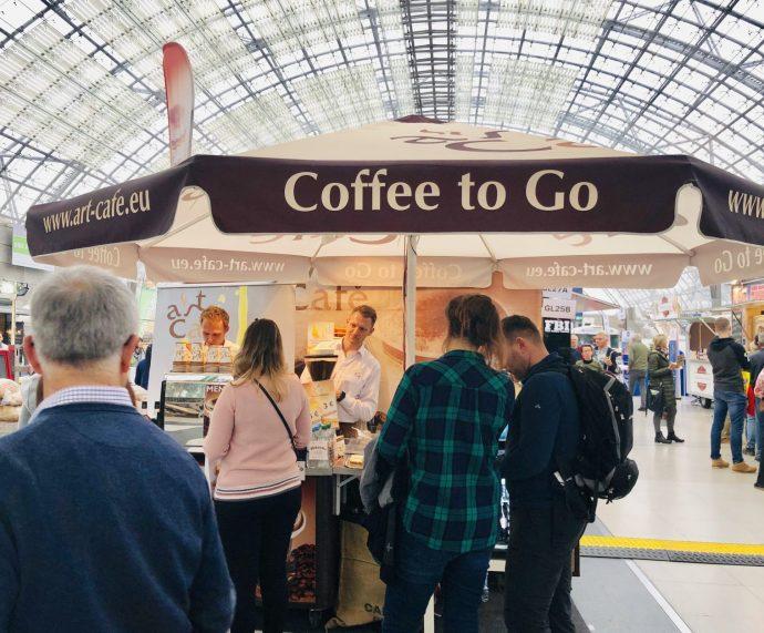Coffee To Go, zubereitet von jungen Männern aus dem polnischen Lodz