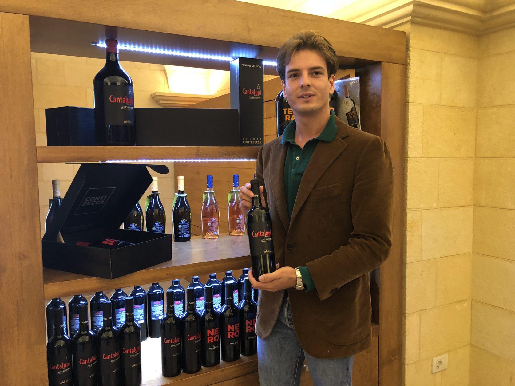 Mario Zecca führt mit seinen Brüdern das Weingut Zecca