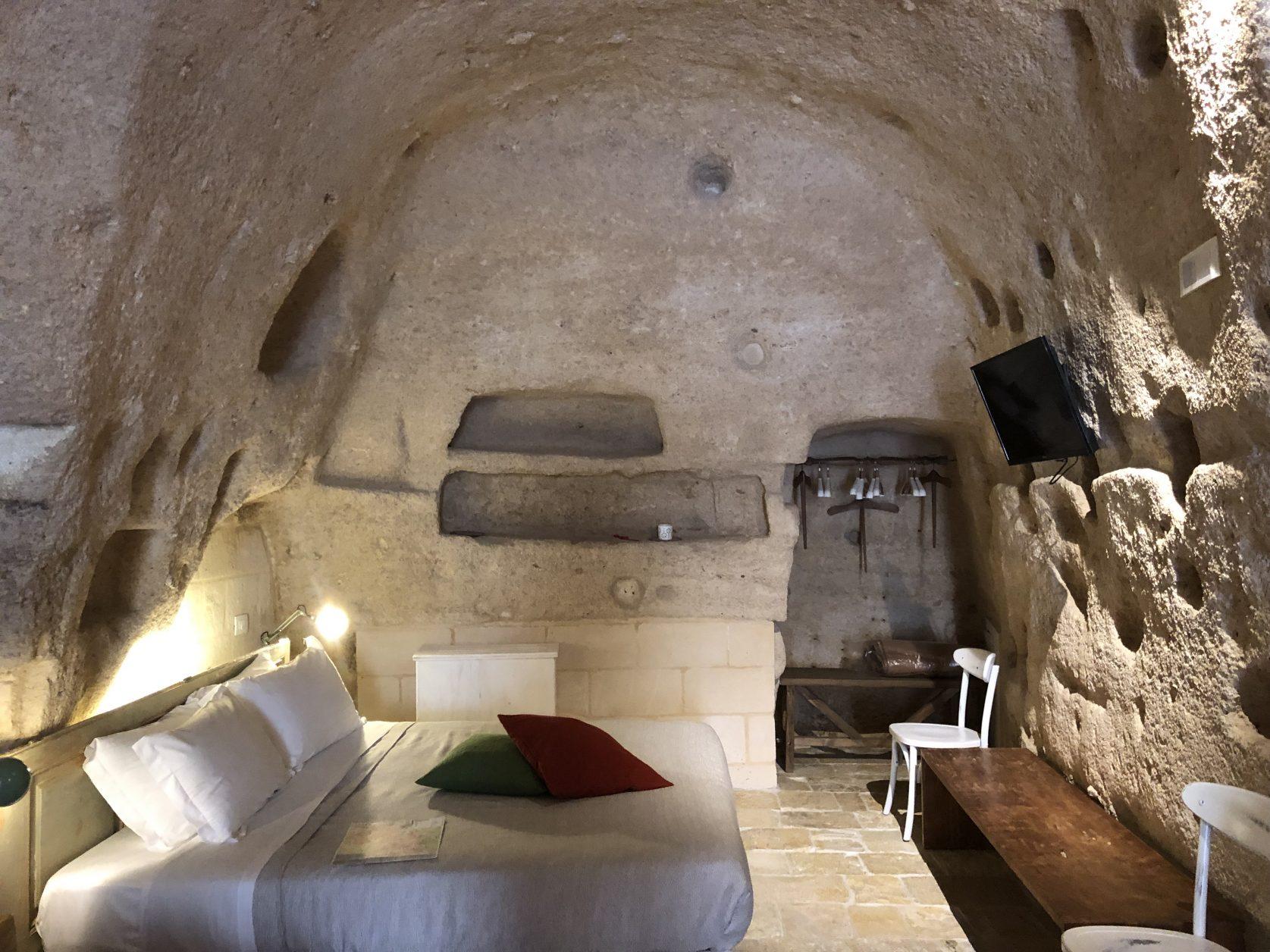 Blick in eine Höhlenwohnung, heute Teil der Thymius Residence, Foto: Weirauch