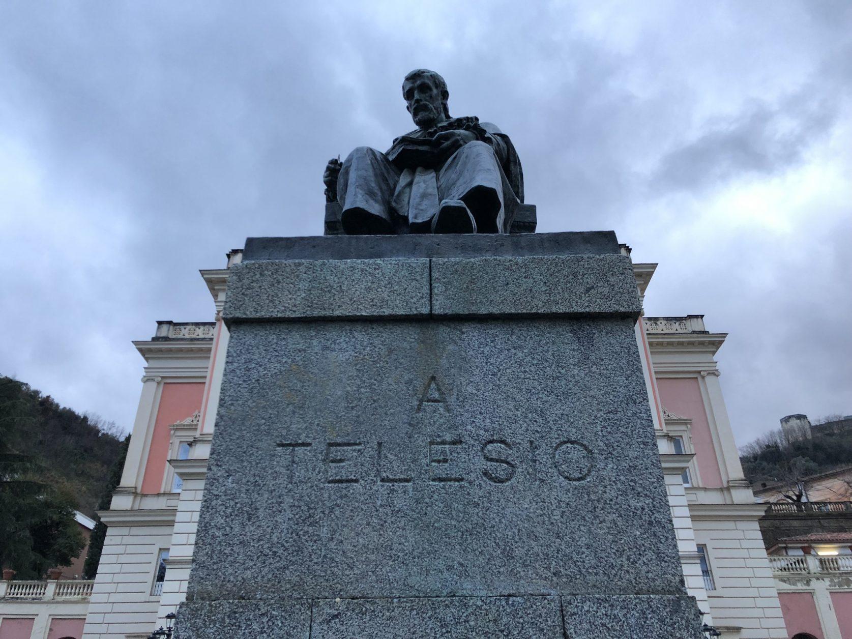 Der italienische Philosoph und Naturforscher Bernardino Telesio stammt aus Cosenza