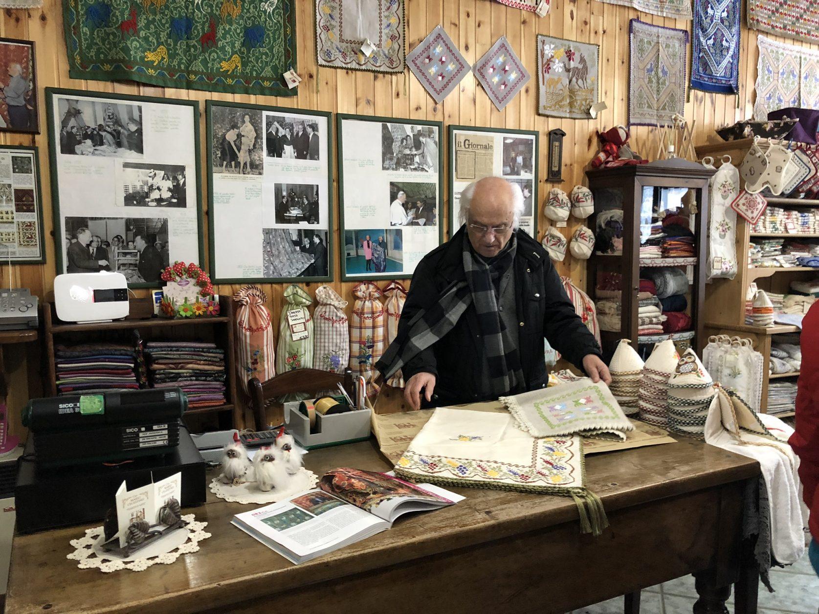 Meister Mario Celestino zeigt uns seine Handwerkskunst
