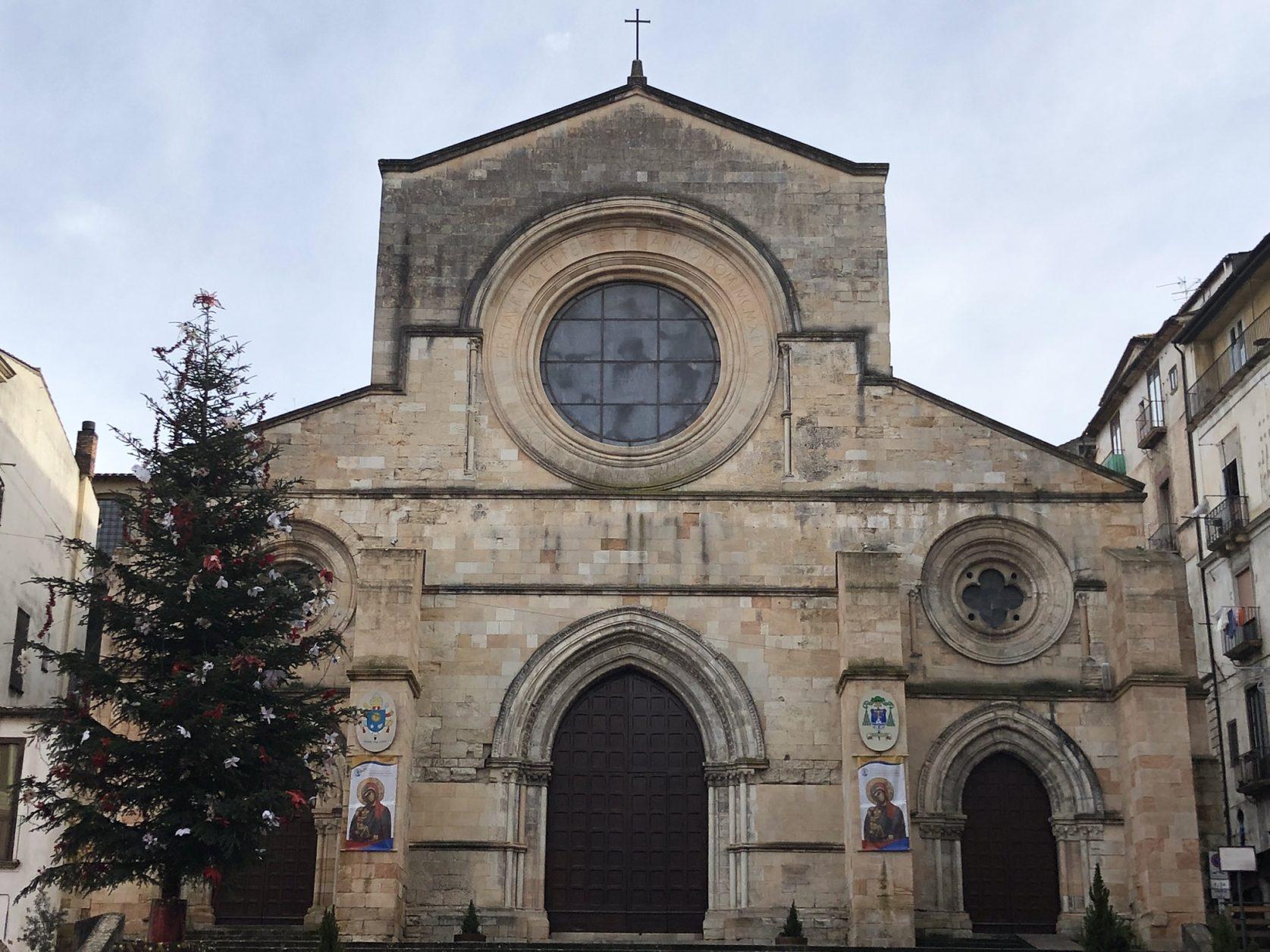 Blick auf den Dom von Cosenza