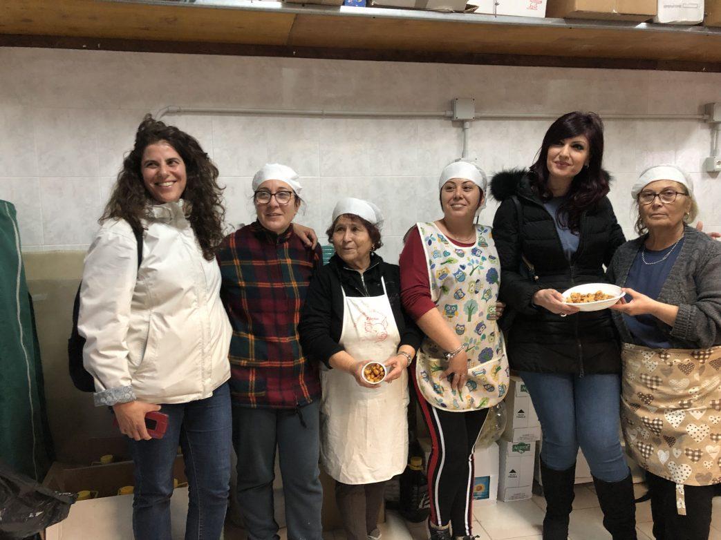 Im Kreis der fleißigen Helfer von Giurdignano