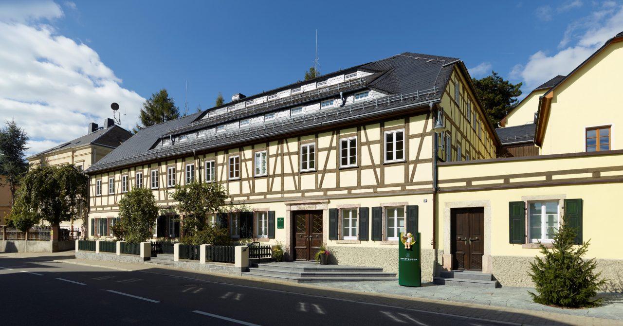Stammhaus der Manufaktur Wendt & Kühn in Grünhainichen und Sitz der Wendt & Kühn-Welt_Bild-Quelle, Juliane Mostertz(1)