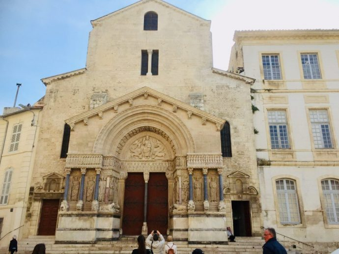 Portal der Kirche Saint Trophime