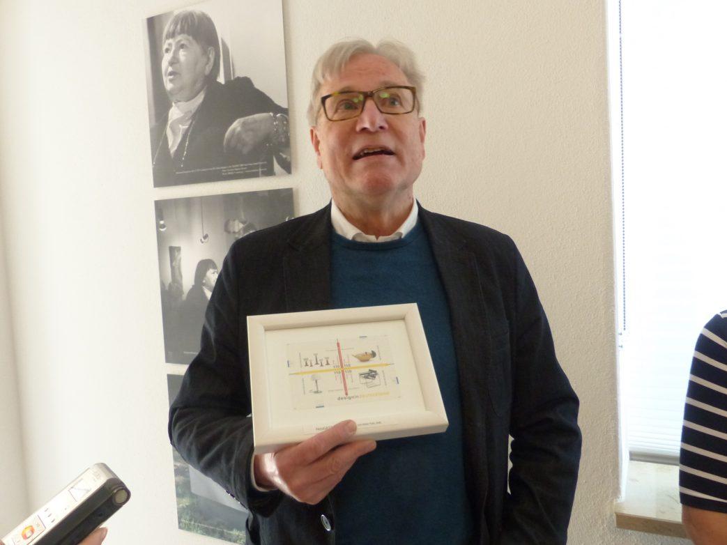 Dr. Feldkamp, der Vorsitzende der Marianne-Brandt-Gesellschaft