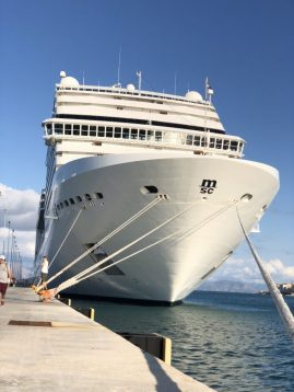Kreuzfahrt MSC Schiff