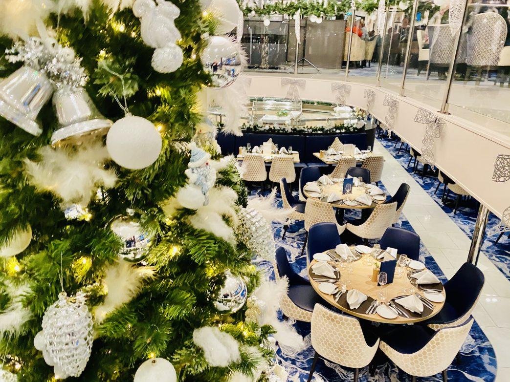 Blick in eines von 3 Restaurants auf der Nicko.Vision