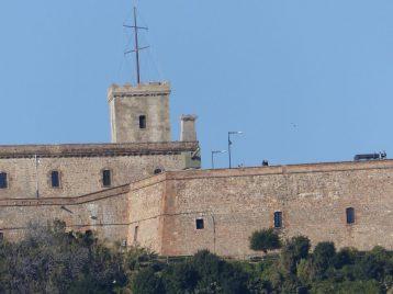 Blick auf die Festung oberhalb von Barcelona Foto: Weirauch