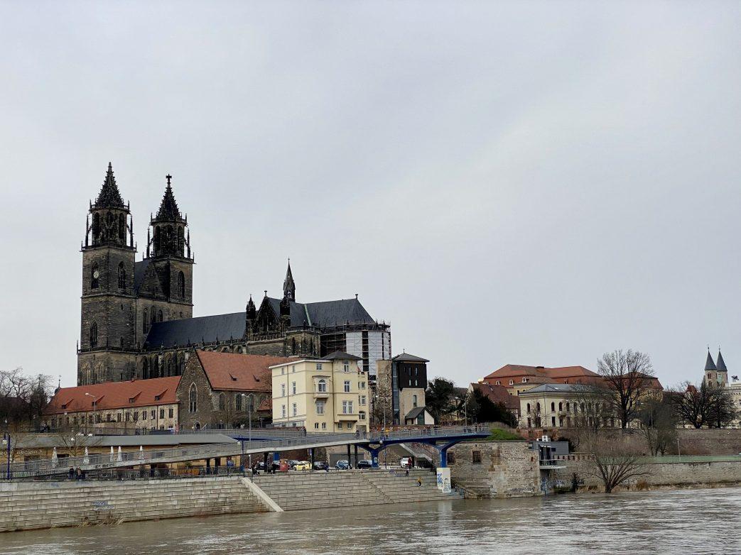 Der Magdeburger Domfelsen mit dem Dom Foto: Weirauch