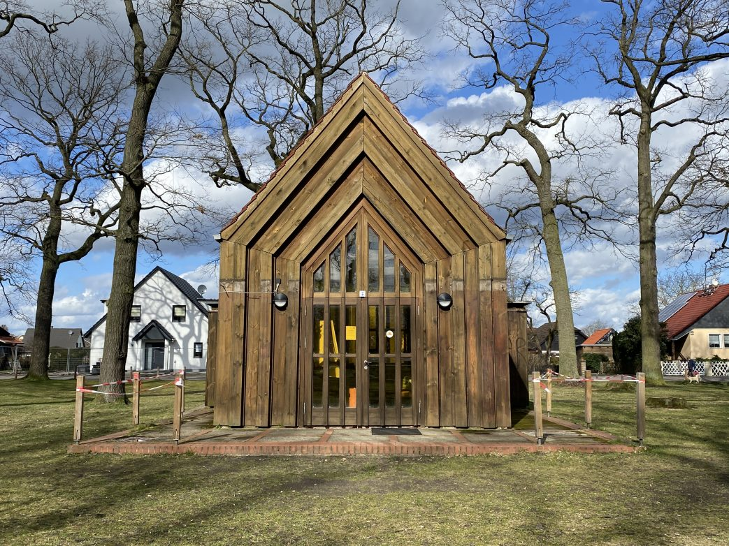 Holzkirche in Leegebruch Foto: Weirauch