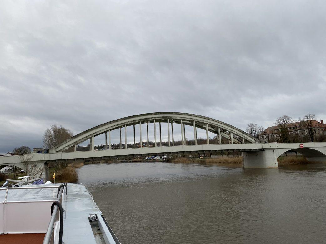 Die Eisenbetonbrücke zwischen Mukrena und Alsleben stammt von 1928 Foto: Weirauch
