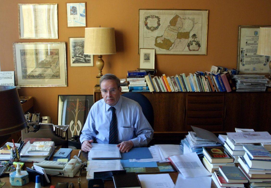 Ernst Cramer in seinem Büro Foto: Unternehmensarchiv Axel Springer