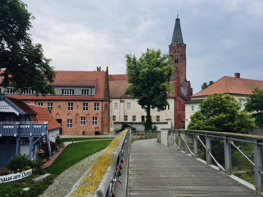 Auf dem Weg zum Dom Brandenburg Stadt