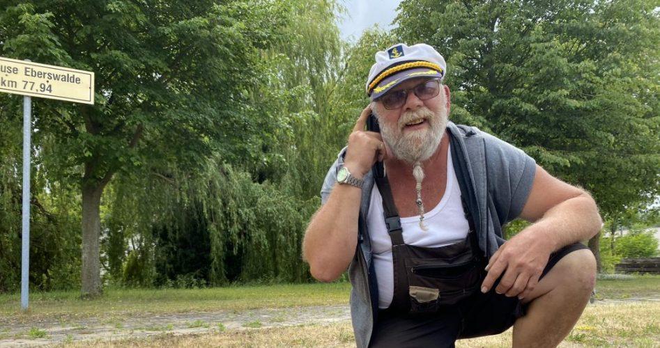 Schleusenwärter Stefan Diebetz an der eberswalder Stadtschleuse Foto: Weirauch