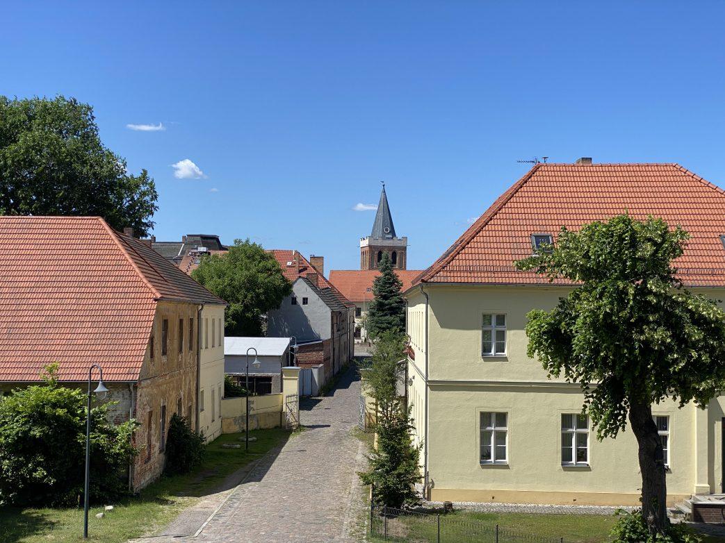 Blick vom Schloss in den Ortskern von Lieberose
