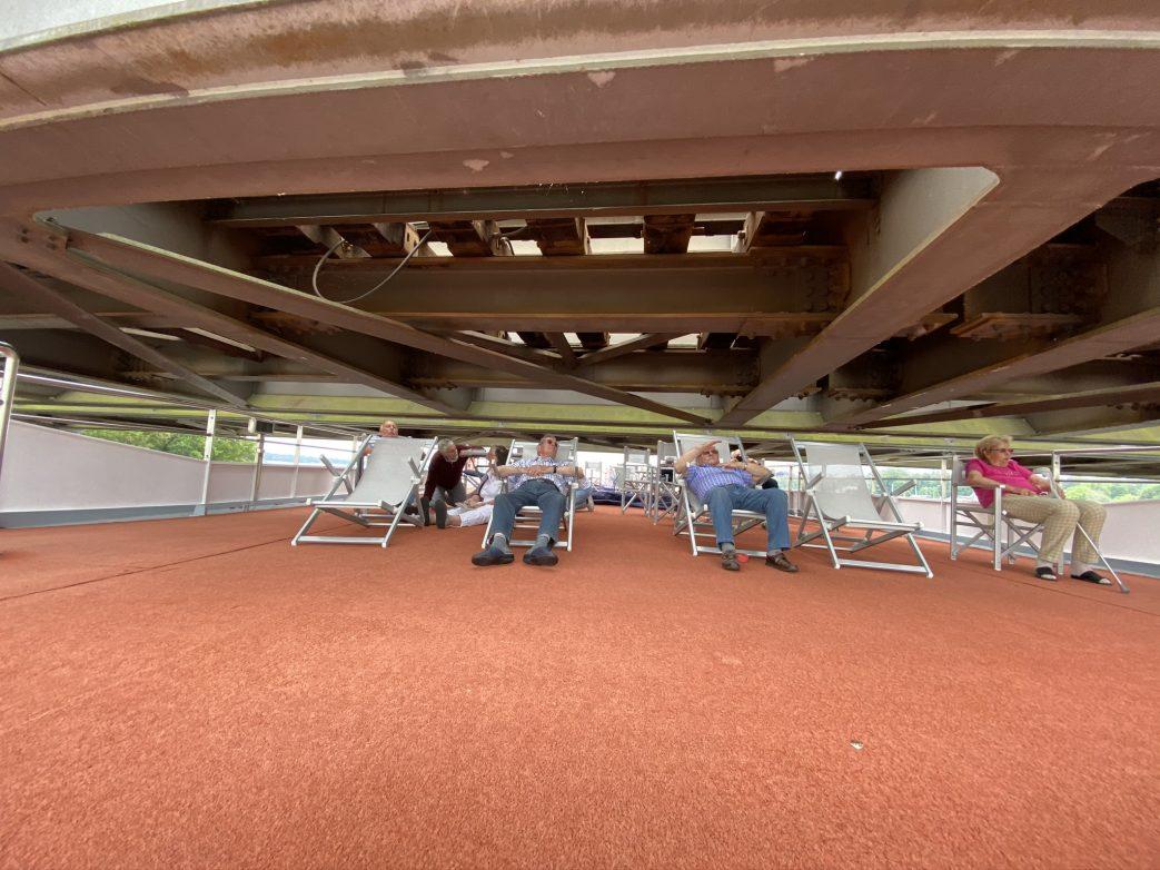 Kopf einziehen unter der Brücke Foto: Weirauch
