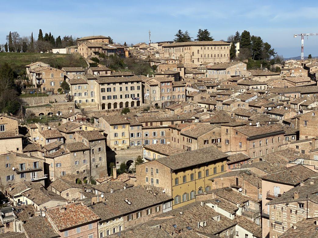 Blick auf Urbino vom Turm des Palastes