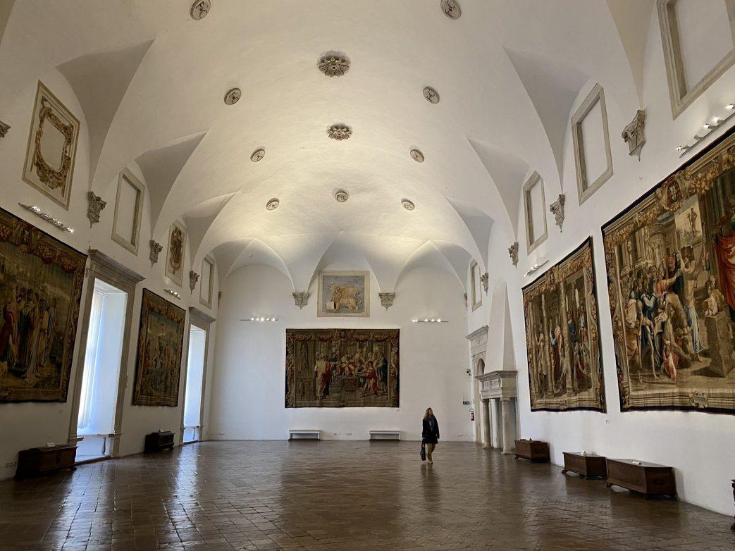 Einer von zig Sälen im riesigen Palazzo Ducale Foto: Weirauch
