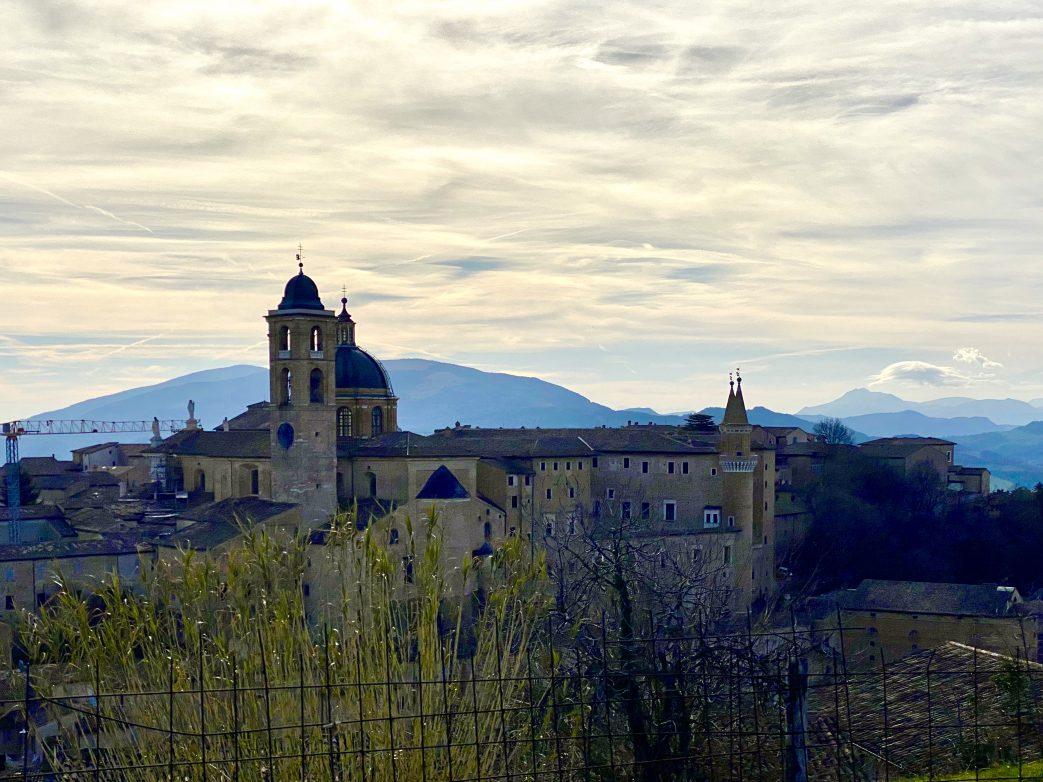 Blick auf Palazzo Ducale in Urbino Foto: Weirauch