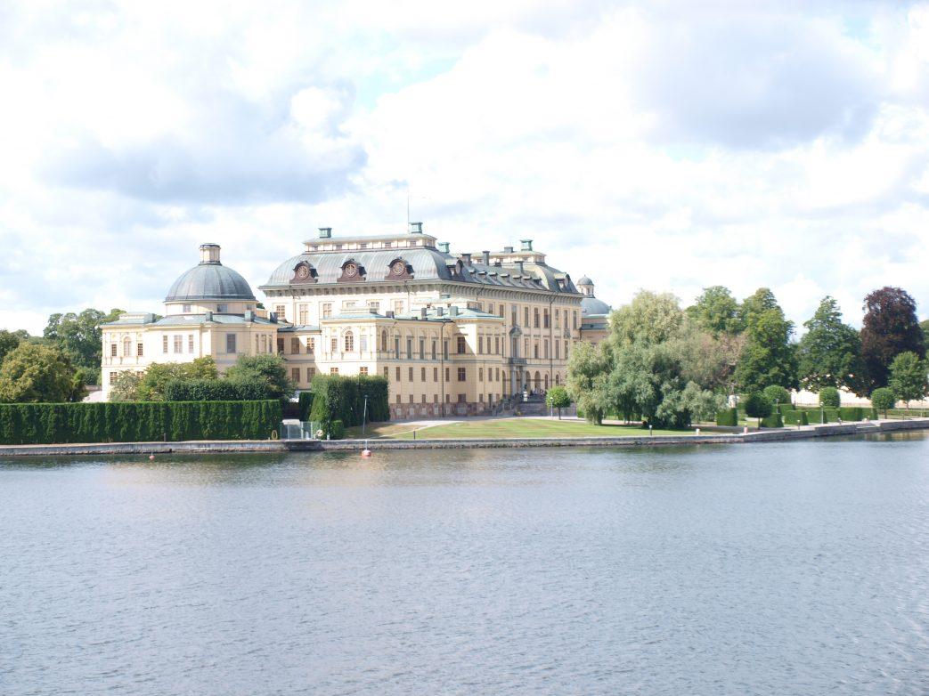 Schloss Drottningholm, Zuhause der schwedischen Königsfamilie, gehört zum UNESCO-Welterbe Foto: L.Bischoff