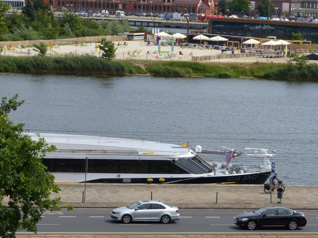 Blick von der Hakenterrasse auf den Hafen