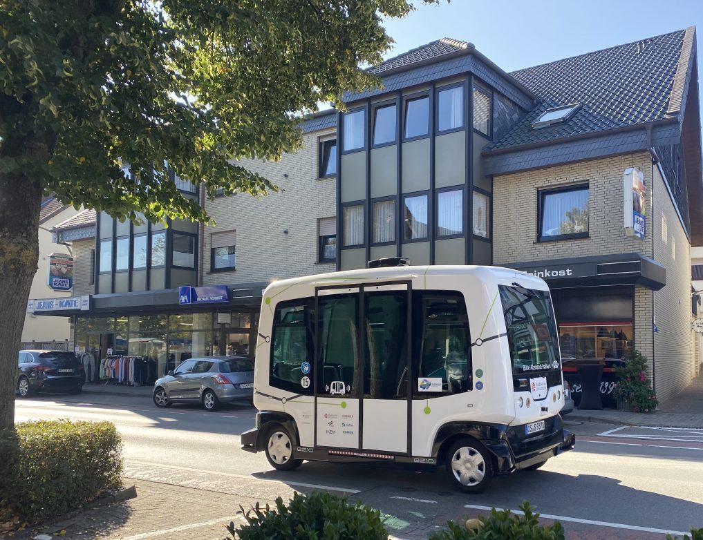 """Der autonom fahrende Shuttlebus """"Hubi"""" in Bad Essen"""
