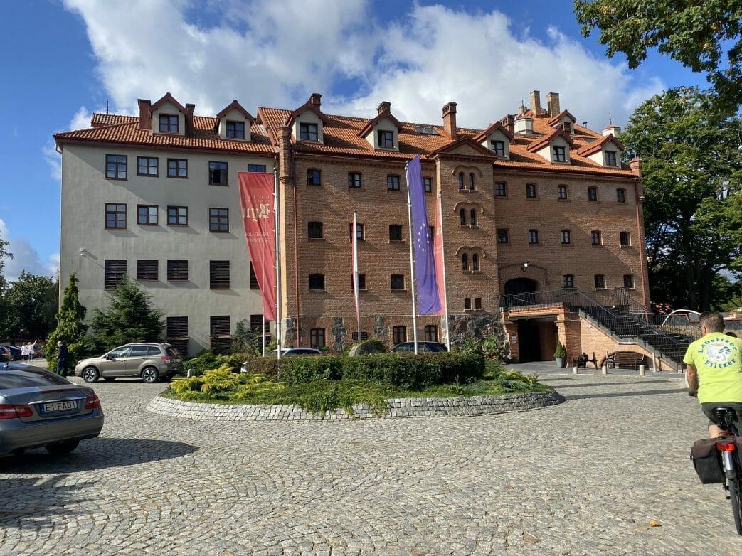In der Ordensburg, einst von Hochmeister Winrich von Kniprode erbaut, befindet sich ein Hotel
