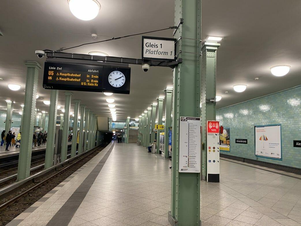 Abfahrt am Alexanderplatz