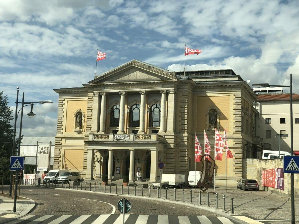 Das 1886 eingeweihte Opernhaus galt einst als das modernste Opernhaus Europas