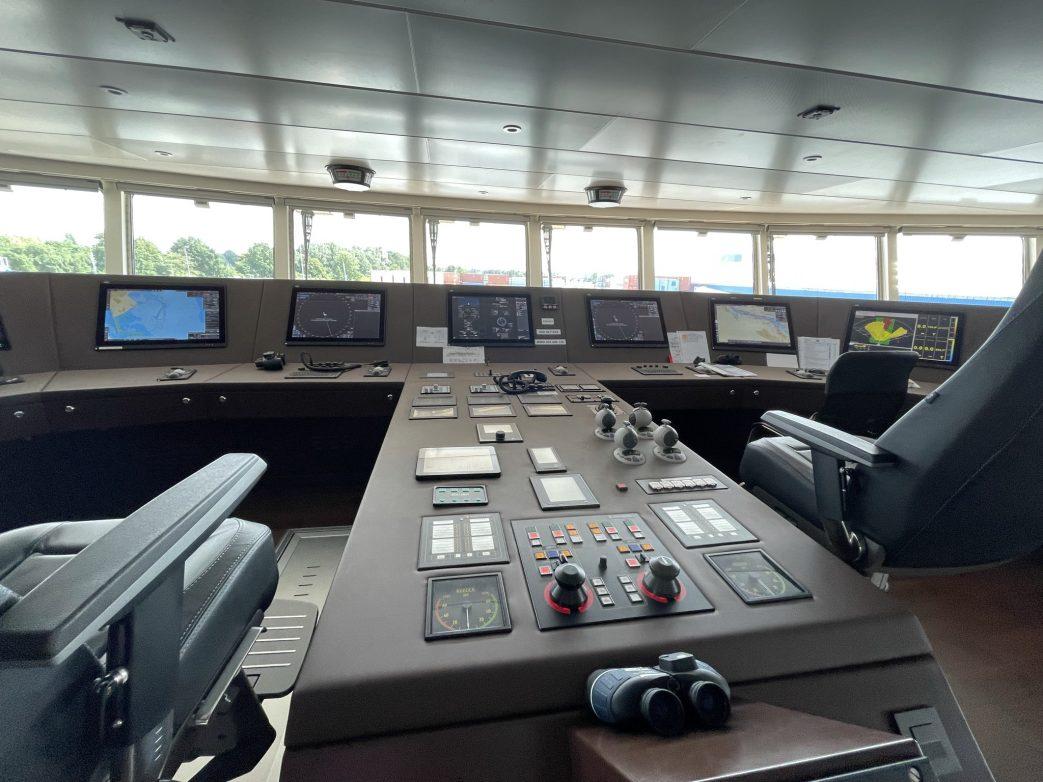 Cockpit der World Voyager